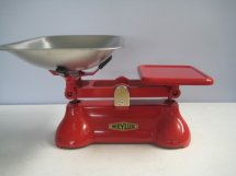 Traditional Balance Kitchen Scales in Rose Red