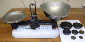 Vintage Avery Weighing Scales For Sale in Ashby De La Zouch